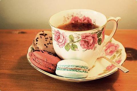 чашка чая со сладостями или как не надо пить чай
