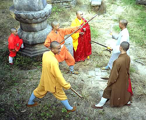 Фотография учеников занимющихся кунг фу