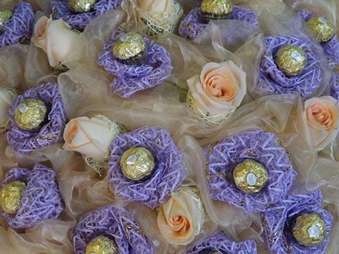 Букет из роз и конфет