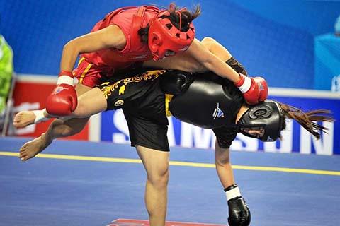 бой женщин по правилам саньда, обучение девушек и женщин китайскому боксу