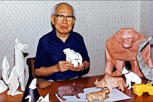 Мастер по оригами Акира Йошизава