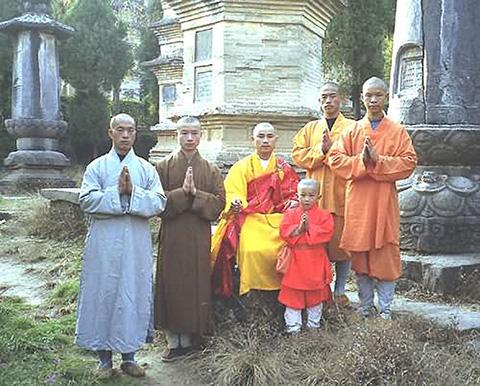 Групповой портрет монахов