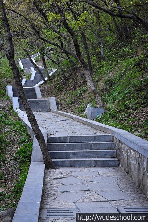 Фотография лестницы, длинный подъем в Суншань