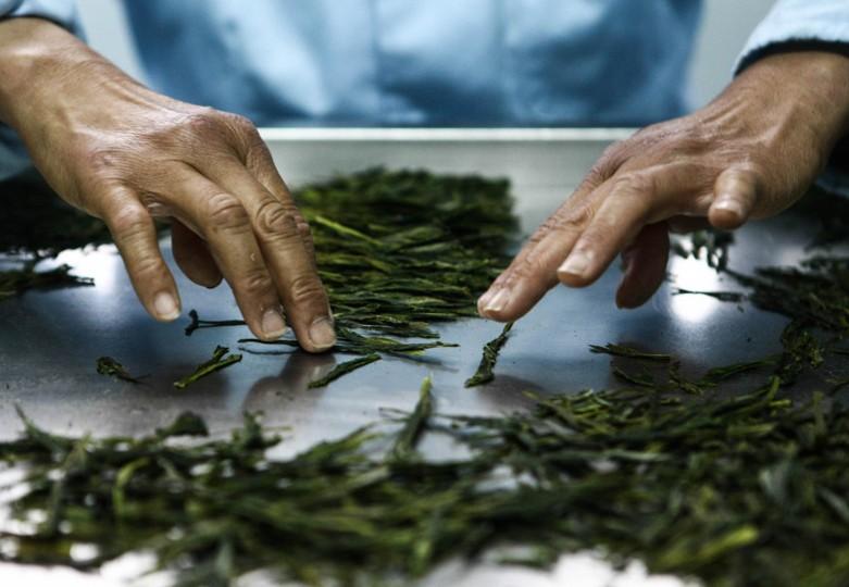 Специальный прием обжарки чайного листа