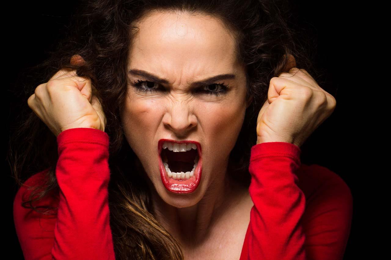 Человек в гневе